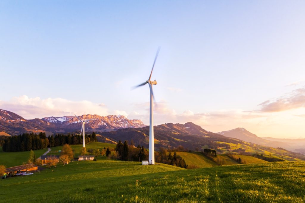 Les énergies renouvelables en 2025, la première source d'énergie ! Le développement des énergies renouvelable à fortement accru (rapport AIE 2020).